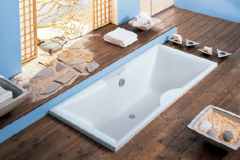 Midea Bathtub